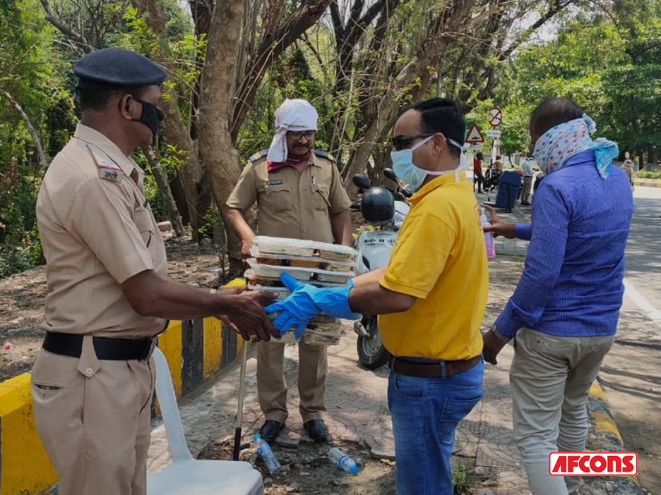 Meals provided to police personnel in Nagpur as they worked relentlessly during nationwide lockdown in India